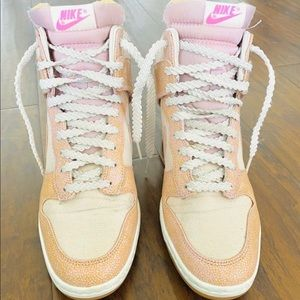 Nike Dunk Sky High Shoes *size 9*